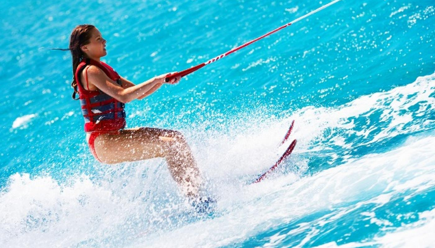 Water skiing from 35 € water skis for children from 25 €