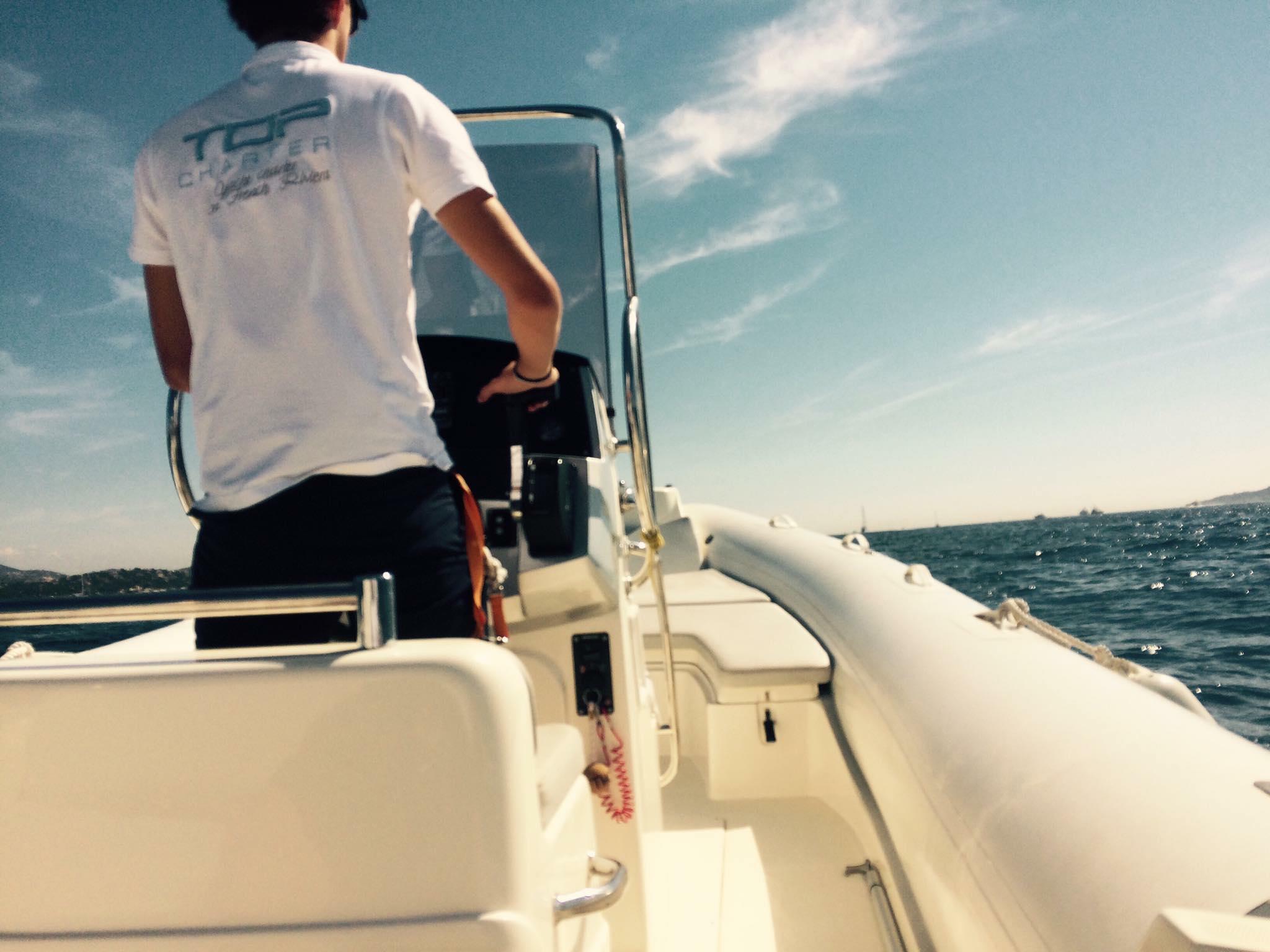 Location bateau Top Charter Côte d'Azur avec équipage / skipper / hôtesse